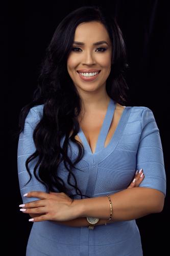 Adriana Castro agent image