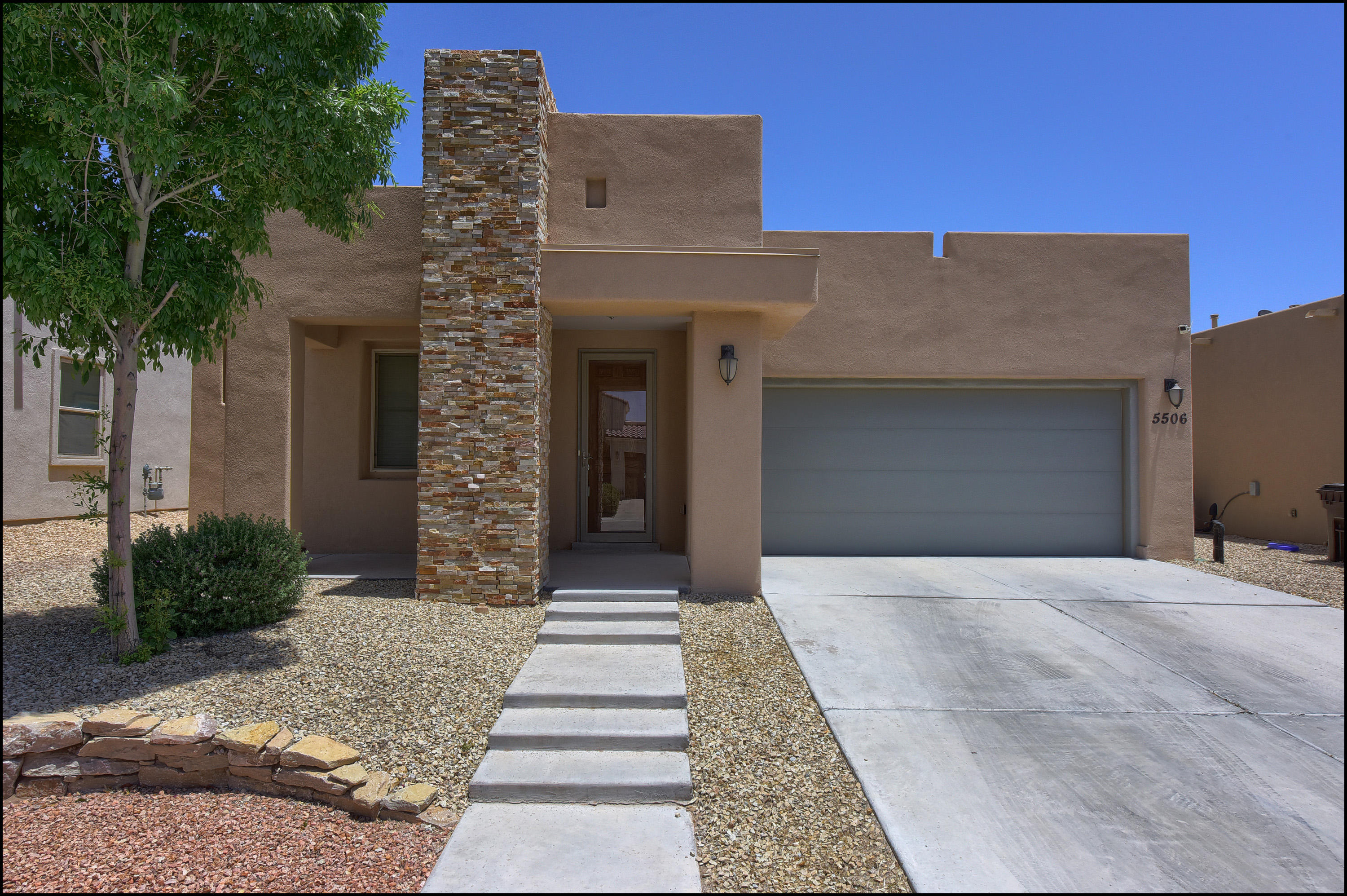 5506 Grove, Santa Teresa, New Mexico 88008, 4 Bedrooms Bedrooms, ,2 BathroomsBathrooms,Residential,For sale,Grove,808939