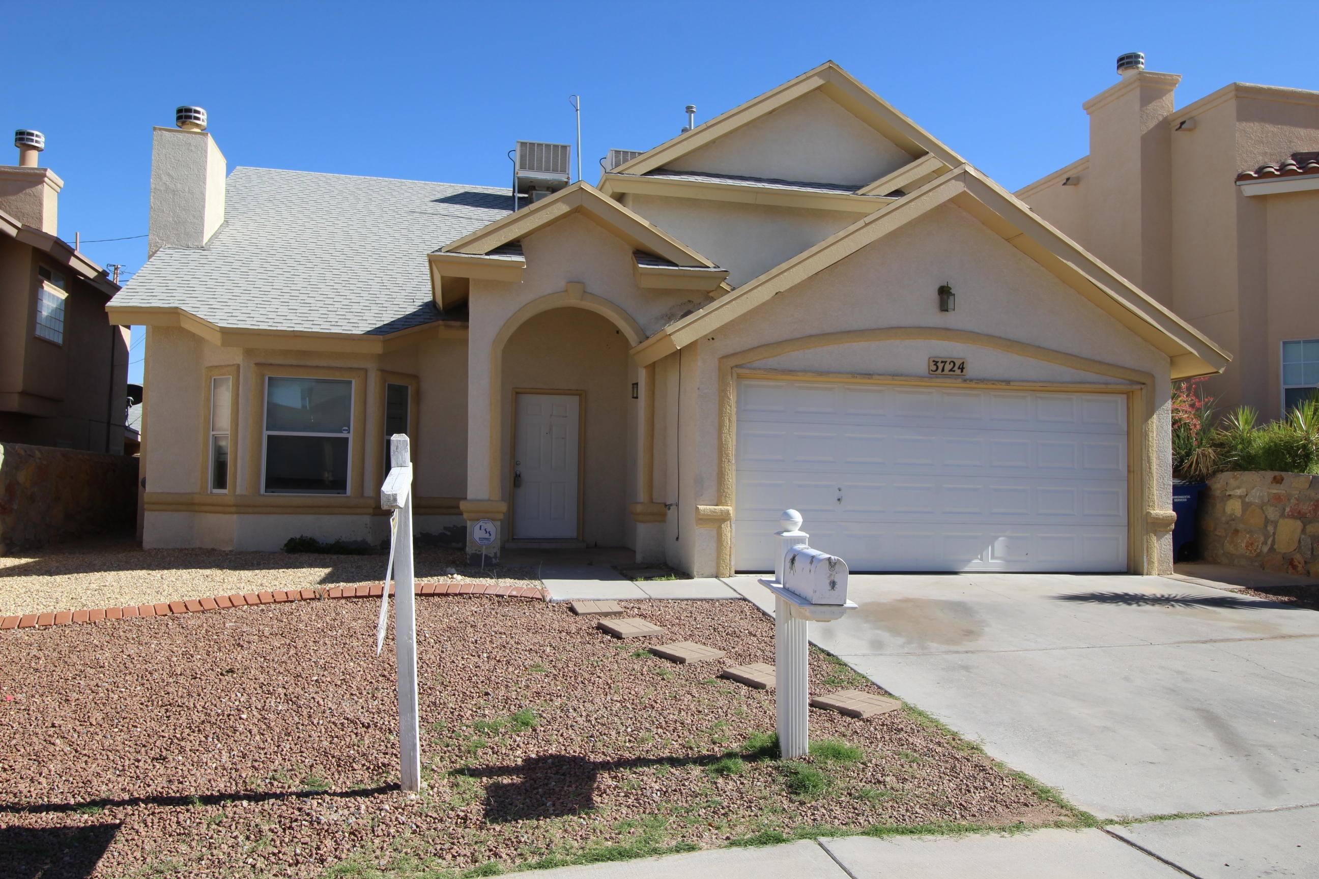 3724 HUBBLE, El Paso, Texas 79904, 4 Bedrooms Bedrooms, ,3 BathroomsBathrooms,Residential,For sale,HUBBLE,809123