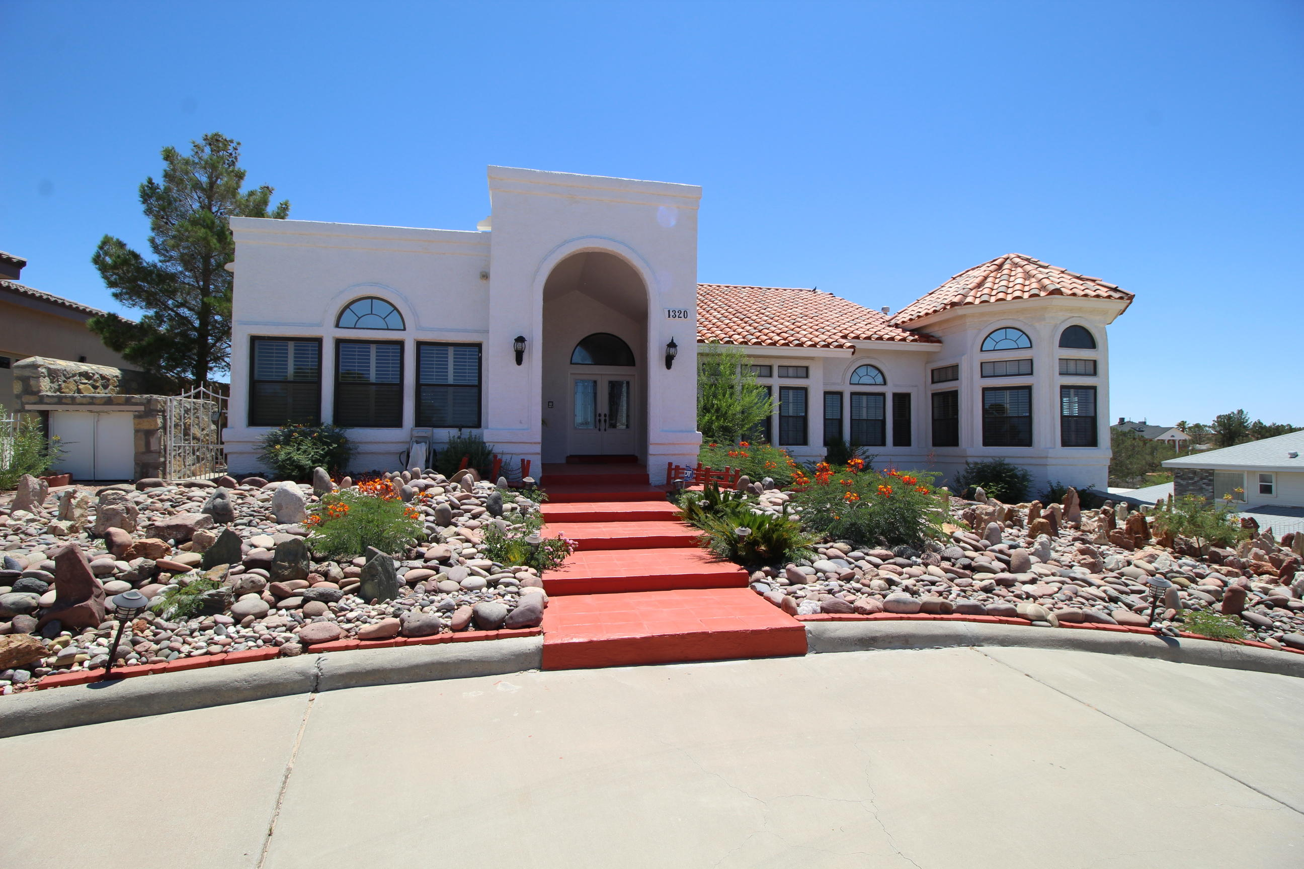 1320 LOMA VERDE, El Paso, Texas 79936, 4 Bedrooms Bedrooms, ,3 BathroomsBathrooms,Residential,For sale,LOMA VERDE,810569