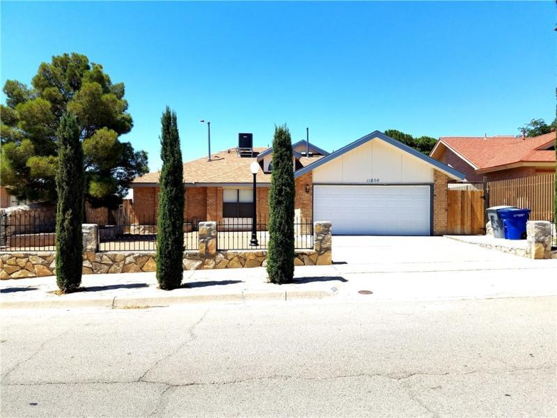 11808 STEPHANIE Drive, El Paso, Texas 79936, 3 Bedrooms Bedrooms, ,2 BathroomsBathrooms,Residential Rental,For Rent,STEPHANIE,813927