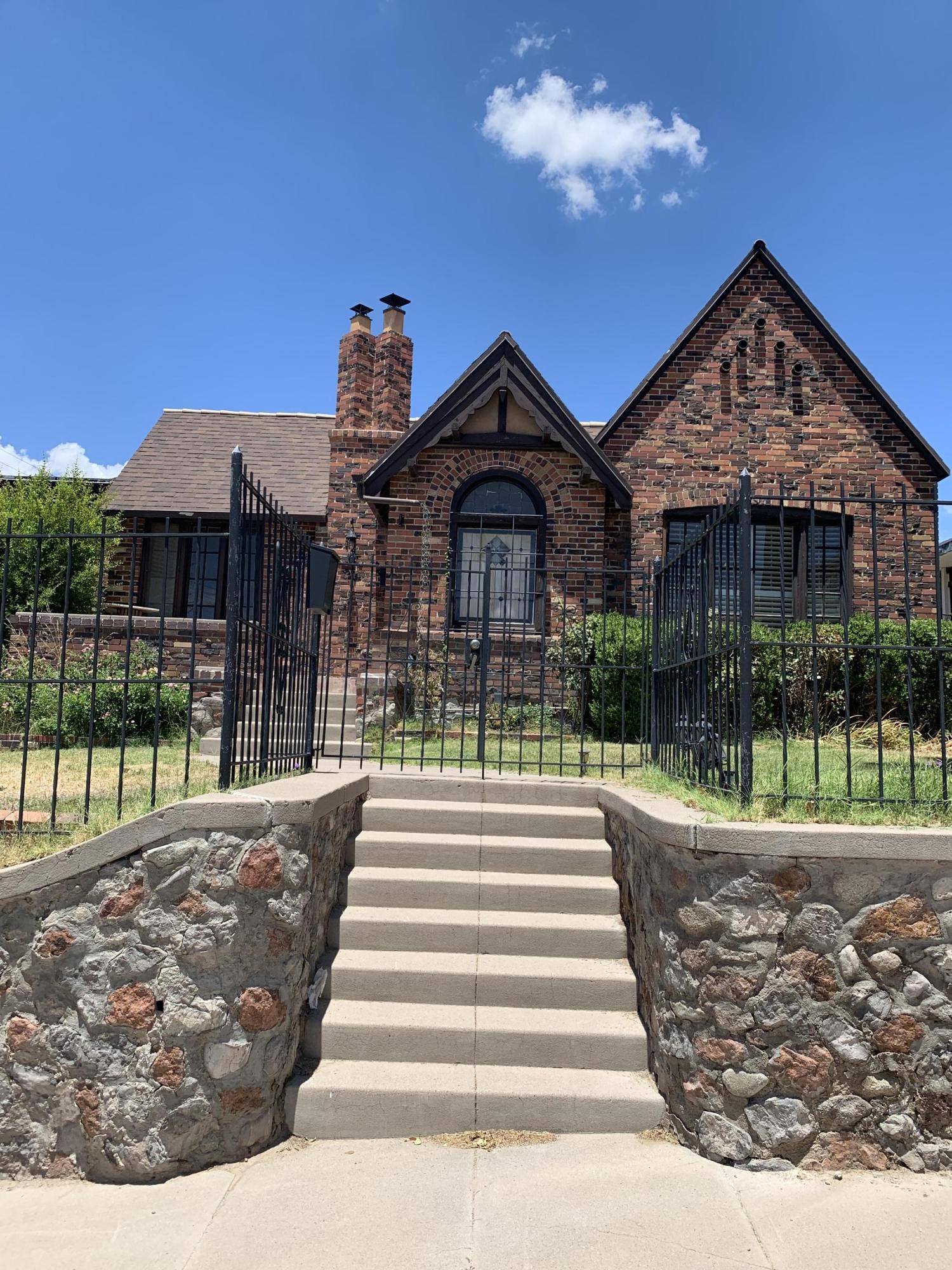 215 BLACKER Avenue, El Paso, Texas 79902, ,2 BathroomsBathrooms,Residential Rental,For Rent,BLACKER,815523