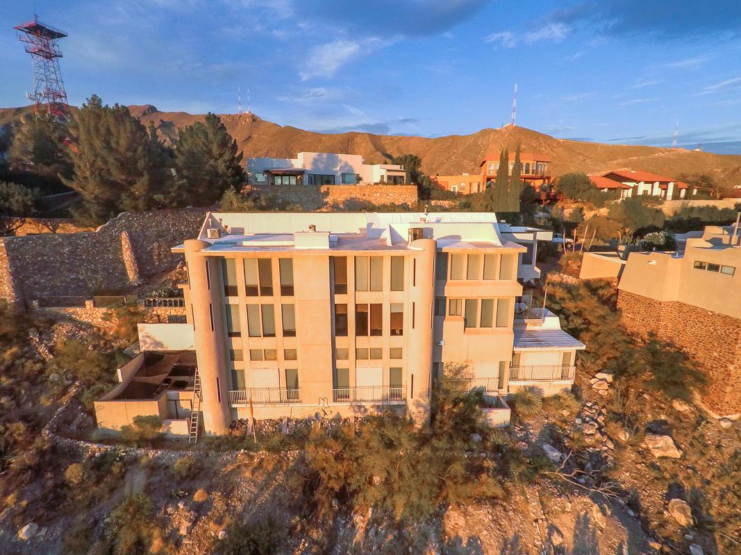 19 Garnet Crest, El Paso, Texas 79902, 5 Bedrooms Bedrooms, ,5 BathroomsBathrooms,Residential,For sale,Garnet Crest,814691