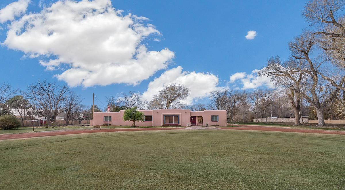 5225 MONTOYA, El Paso, Texas 79932, 4 Bedrooms Bedrooms, ,5 BathroomsBathrooms,Residential,For sale,MONTOYA,822953