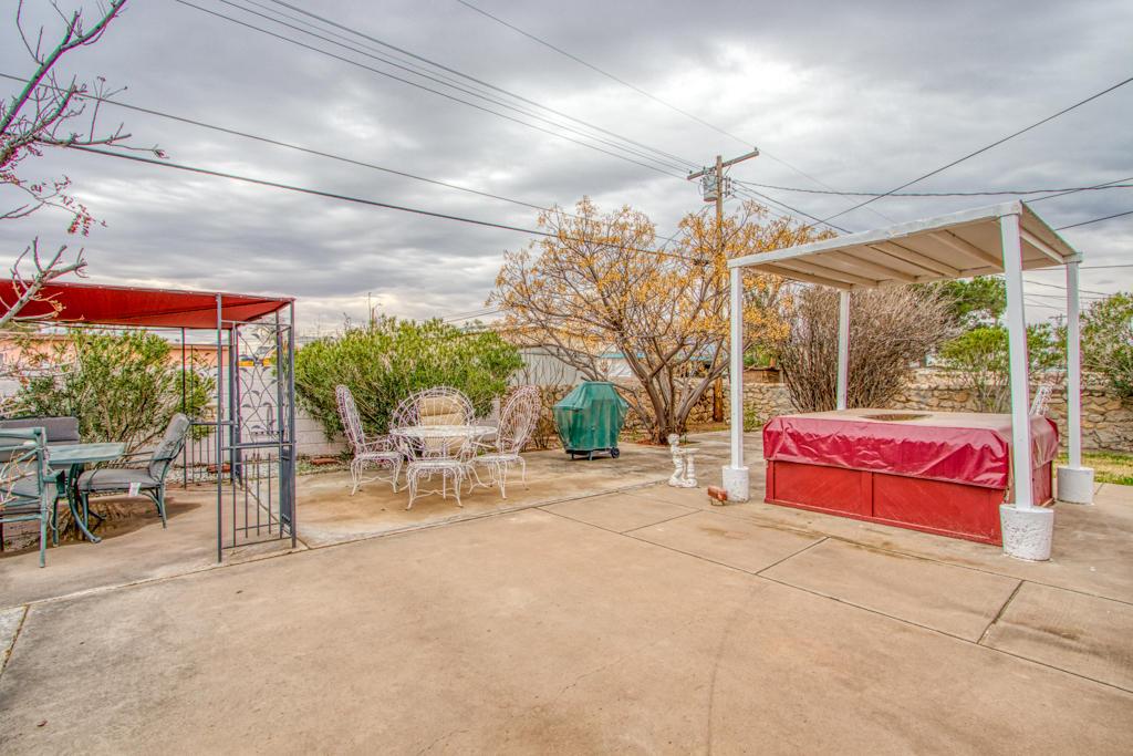 420 Barcelona, El Paso, Texas 79905, 3 Bedrooms Bedrooms, ,2 BathroomsBathrooms,Residential,For sale,Barcelona,822979