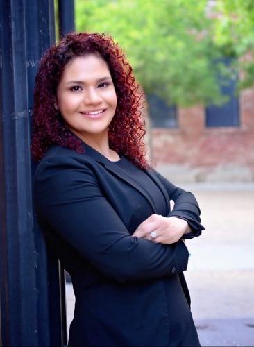 Elvia Gonzalez de Lopez agent image