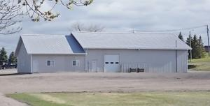 122 COLLEGE DR N, DEVILS LAKE, ND 58301