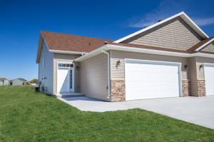 5613 S 11TH ST, GRAND FORKS, ND 58201