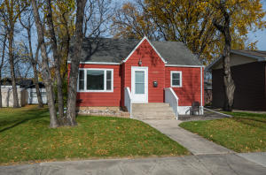 1520 DYKE AVE, GRAND FORKS, ND 58203