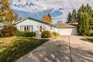 526 32ND AVE S, GRAND FORKS, ND 58201