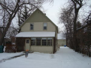 915 4TH AVE, CANDO, ND 58324