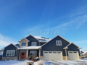 5474 RABOIN CIR, GRAND FORKS, ND 58201