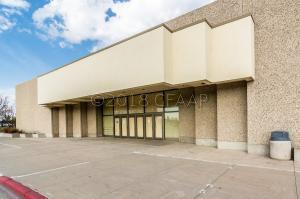 2800 COLUMBIA RD S, GRAND FORKS, ND 58201