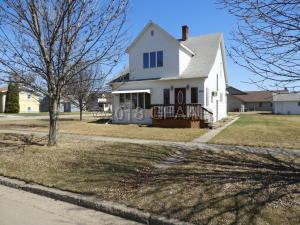 200 W 1ST AVE S, CAVALIER, ND 58220