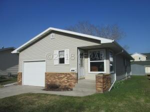 1120 4TH Avenue NW, EAST GRAND FORKS, MN 56721
