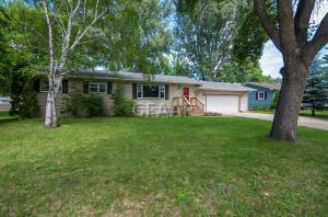 1526 19TH Street NW, EAST GRAND FORKS, MN 56721