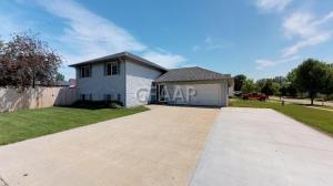 5296 6TH AVENUE NORTH, GRAND FORKS, ND 58203