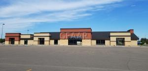 3251 32ND Avenue S, GRAND FORKS, ND 58201