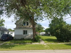 217 9TH Street NW, DEVILS LAKE, ND 58301