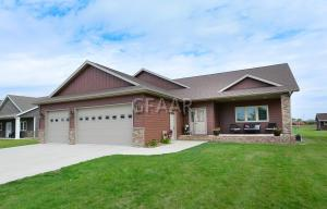 5332 S 14TH Street, GRAND FORKS, ND 58201