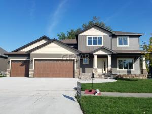 5517 CHARLIE RAY DR, GRAND FORKS, ND 58201