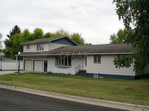 308 6TH Street W, PARK RIVER, ND 58270