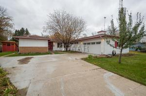 2518 OLSON Drive, GRAND FORKS, ND 58201