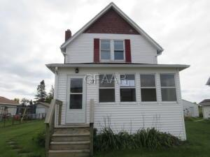 17 17TH Street NW, EAST GRAND FORKS, MN 56721