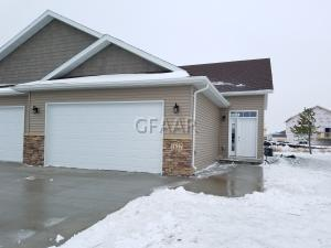 5627 S 11TH ST, GRAND FORKS, ND 58201