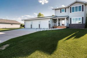 1211 WALSH Street, CROOKSTON, MN 56716