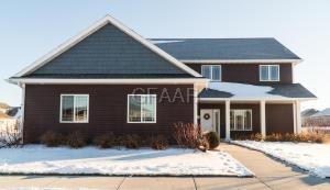 2431 41ST Avenue S, GRAND FORKS, ND 58201