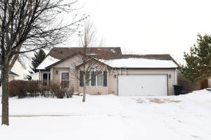 5137 8TH Avenue N, GRAND FORKS, ND 58203