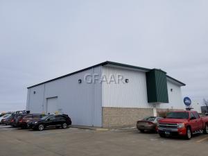 5010 GATEWAY Drive, GRAND FORKS, ND 58203