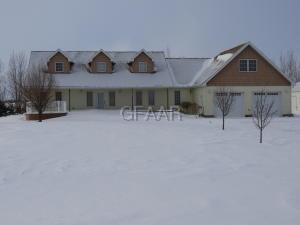 317 STEVEN Avenue, DEVILS LAKE, ND 58301