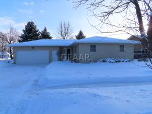 301 CIRCLE HILLS Drive, GRAND FORKS, ND 58201
