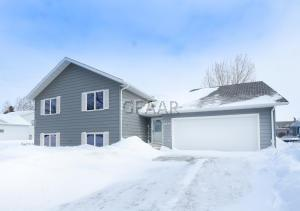 2210 5TH AVE NW, EAST GRAND FORKS, MN 56721