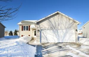 326 20TH STREET NW, EAST GRAND FORKS, MN 56721