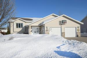 1515 11TH Avenue SE, EAST GRAND FORKS, MN 56721
