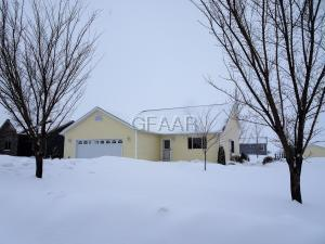826 13TH Street SE, EAST GRAND FORKS, MN 56721