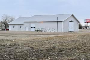 122 COLLEGE Drive N, DEVILS LAKE, ND 58301