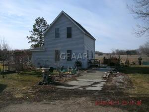 2085 44TH Street NE, LARIMORE, ND 58251