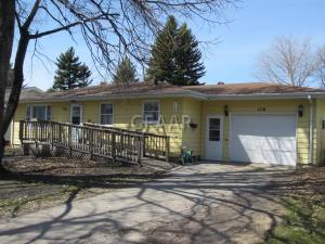 1116 20TH Street NW, EAST GRAND FORKS, MN 56721