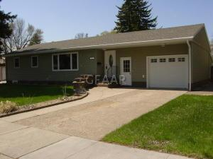 1521 7TH AVE NW, EAST GRAND FORKS, MN 56721