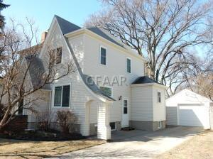 1412 COTTONWOOD Street S, GRAND FORKS, ND 58201