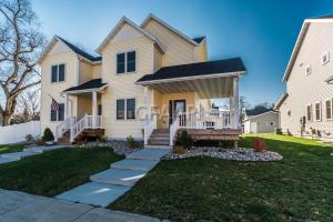 528 S 4TH Street, GRAND FORKS, ND 58201