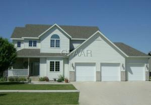 1464 S 40TH Street, GRAND FORKS, ND 58201