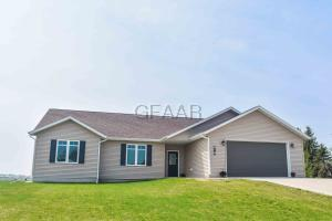 618 E PARKWAY LANE, NORTHWOOD, ND 58267