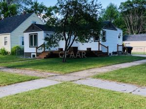 923 9TH ST S, GRAND FORKS, ND 58201