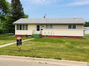 317 13TH Street NW, DEVILS LAKE, ND 58301