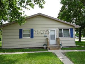 612 17TH Street NW, EAST GRAND FORKS, MN 56721